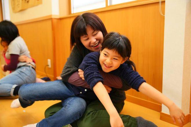 【子育て講演会】 『しあわせ脳』は抱っこで育つ。~子どもに贈る、スキンシップの魔法